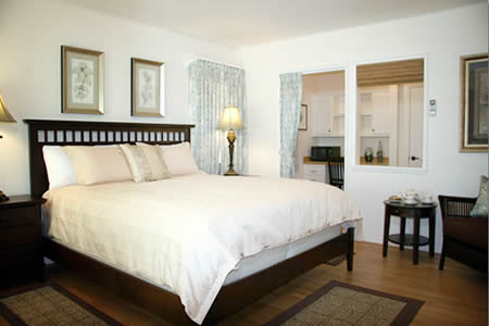 The Ojai Retreat Adyar Sunrise Room