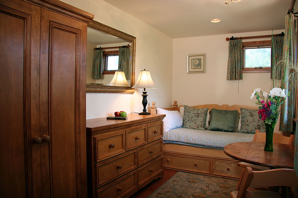 ojai valley b&b inn - sky suite