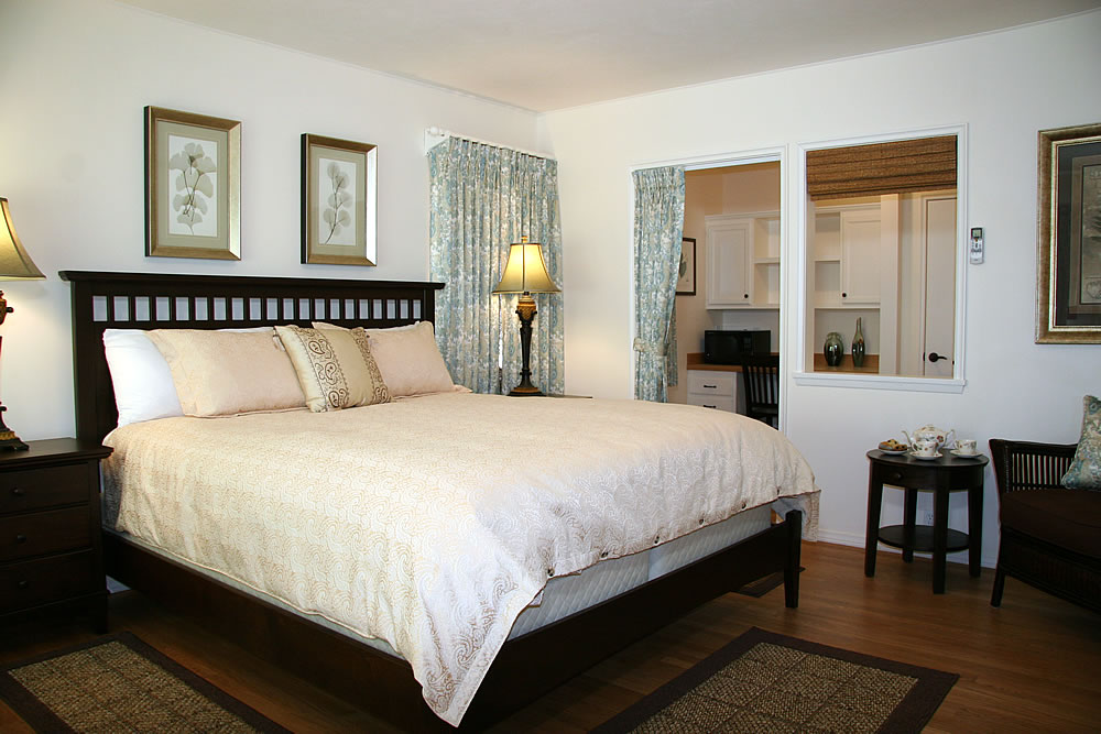 ojai valley b&b inn - adyar sunrise room