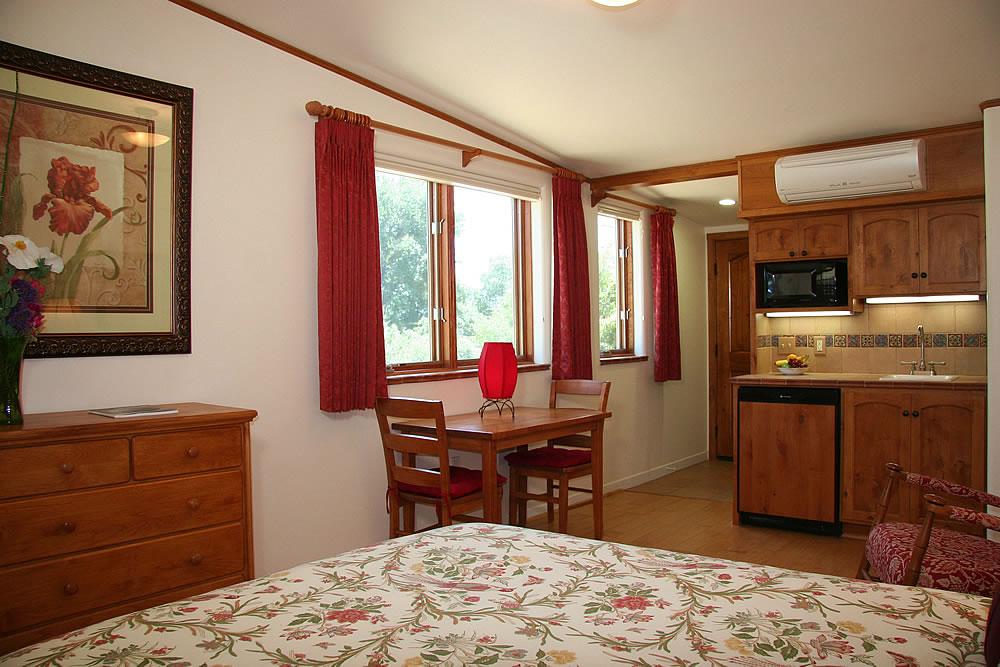 ojai valley b&b inn - Eucalyptus Room