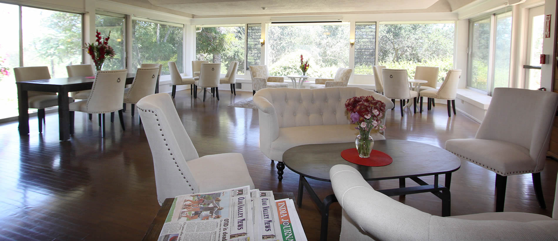 ojai retreat breakfast room